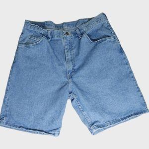Wrangler Relaxed Fit Denim Shorts Size 36